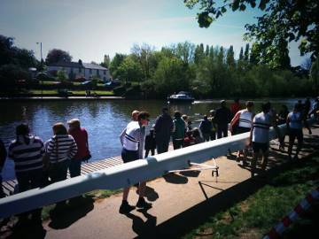 Evesham Rowing Club - Crew carrying a boat